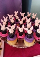 rabbit-in-the-hat-cup-cake