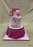 2-tier-hello-kitty-cake
