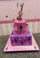 2-tier-violin-cake