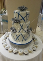 3-tier-blue-pattern-cake