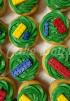 lego-cup-cakes