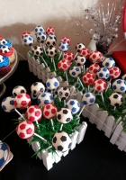 soccer-cake-pops