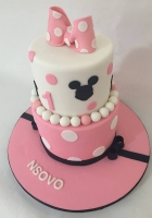 Minnies bow cake for a 1 year old girl by Cake Boys in Alberton Johannesburg 3