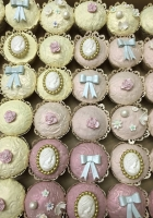 Vintage wedding cupcakes by Cake Boys in Alberton Johannesburg 5